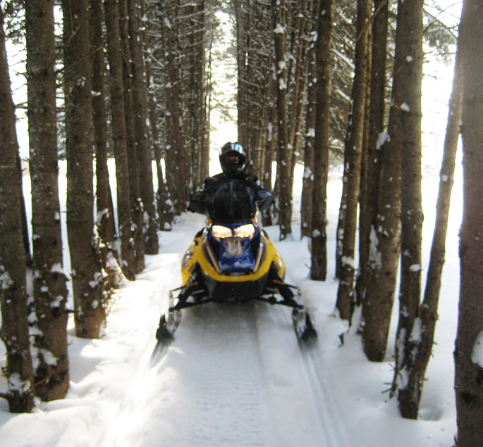 Best Maine Snowmobile trails